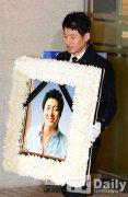 韩歌手金智勋上吊殒命 昔日队友现身送殡