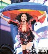 张惠妹力挺多元成家 高举彩虹旗为同志发声