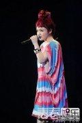 徐佳莹新加坡热力开唱 现场索求婚