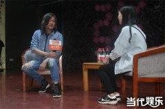 张嘉佳自曝曾患抑郁差点自杀 用命拼出来的《摆渡人》引期待