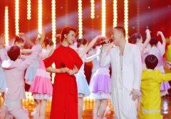 """""""主题曲之王""""丁于录制央视跨年晚会 《我们的新时代》为时代打call"""