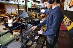 Hercules(嗨酷乐)发布 DJCONTROL INPULSE 500 帮助 DJ 走出卧室,开始第一场演出